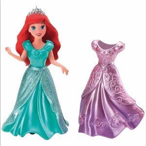 Lot of 7 Princess Magic Clip dolls